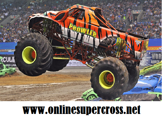 2016 Monster Jam in Copps Coliseum Racing Live